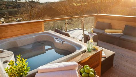 Pet Friendly Cottages With Tub by Friendly Cottages With Tubs In Cornwall