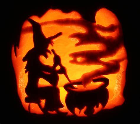 pumpkin carving ideas 24 spooky pumpkin carving ideas entertainmentmesh