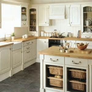 Maple Kitchen Furniture tenby kitchen from howdens joinery the tenby kitchen