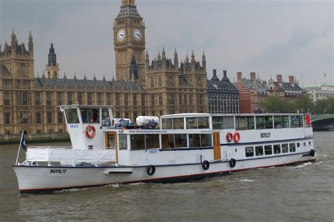 thames river cruise with chagne thames boat images