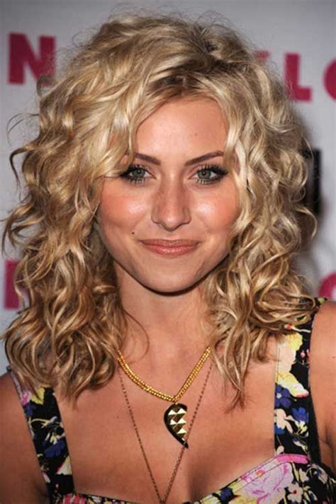 will medium curly hair make your face fat 17 best ideas about long curly haircuts on pinterest