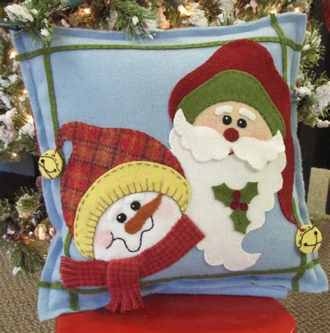 patterns for christmas appliques wool applique pillow featured in holiday crafts magazine 2013