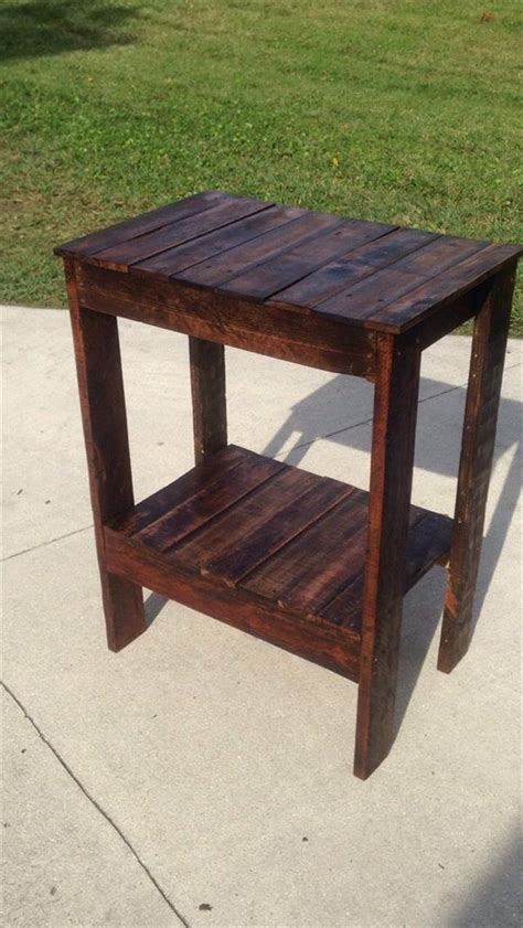 pallet wood end table diy repurposed pallet end table pallet furniture plans