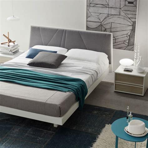 comodino letto camere letti imbottiti in legno zona notte armadi