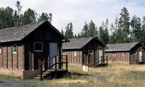 faithful snow lodge western cabin yellowstone lake lodge cabins alltrips