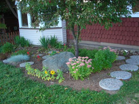 Front Yard Flower Garden Flower Garden Ideas For Front Of House Photograph Front Ya