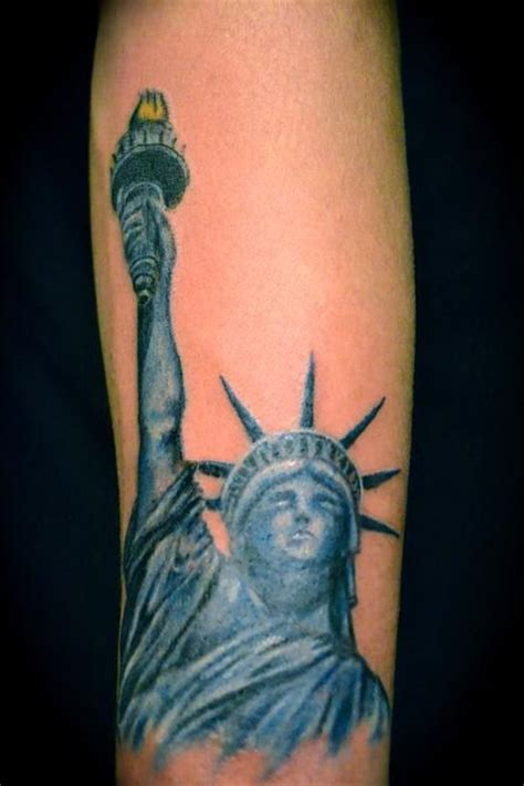 statue of liberty pin up tattoo tattoo s by richie statue of liberty tattoo idea back piece pinterest