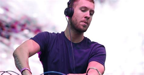 calvin harris r calvin harris tops forbes list of highest paid djs