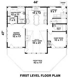 1900 sq ft house plans country style house plan 3 beds 3 baths 1900 sq ft plan 81 13786