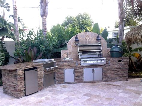 creative outdoor kitchens creative outdoor kitchens big green egg creative outdoor