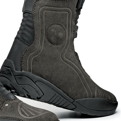 best motorcycle track boots tcx track boots free uk delivery