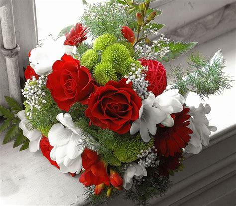 imagenes de flores rojas y blancas foto de ramo de flores rojas y blancas imagen de ramo de
