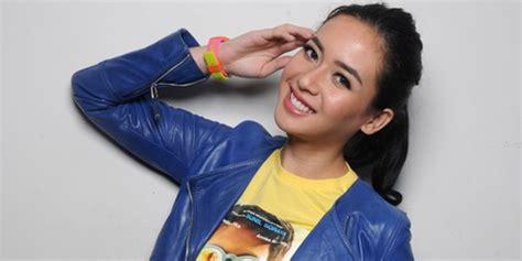 download film single raditya dika cinema indo pengakuan elvira devinamira ikut single karena raditya