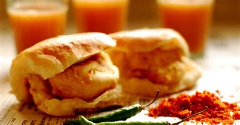 14 Maharashtrian Foods That Everybody Loves