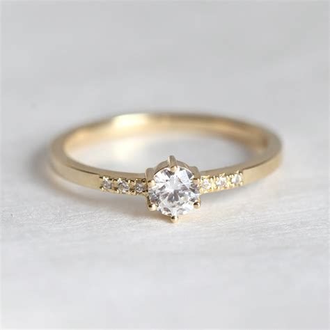 ring  women ctriund cut  solid yellow gold diamond jewelry