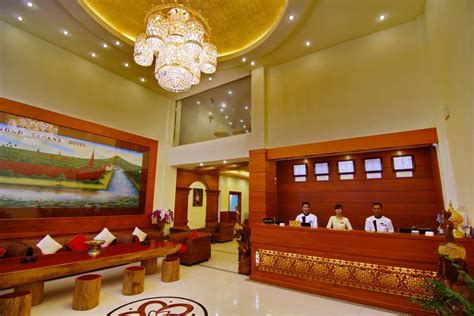 panoramio photo of gold yadanar hotel front office