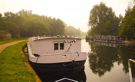 rent house boat london 8 best airbnb houseboat and narrowboat rentals in the uk