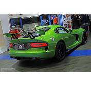 Stryker Green 2014 SRT Viper Is Dropping Jaws In Detroit