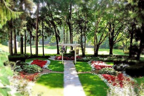 michigan garden wedding venue outdoor wedding ceremony locations the inn