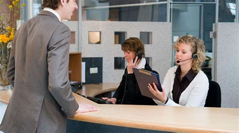 Who Is A Front Desk Officer by Servizi Portierato G