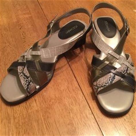 i love my comfort shoes i love comfort on poshmark