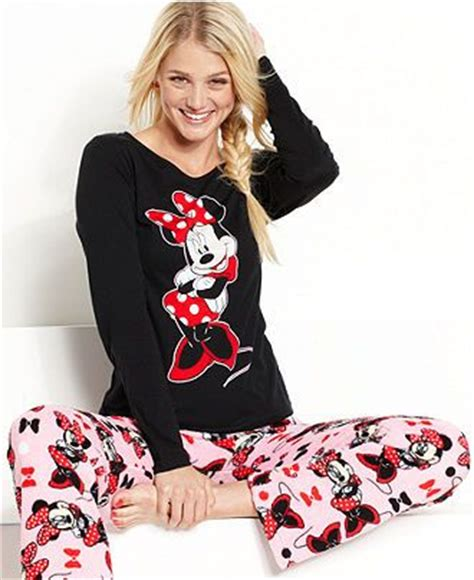Piyama Minnie Mouse Import briefly stated pajamas minnie mouse top and pajama set womens pajamas robes macy s