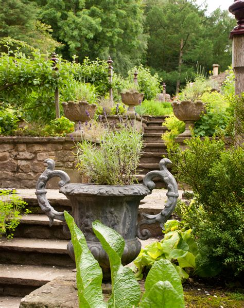 garden kitchen arabella lennox boyd lisa cox garden designs blog