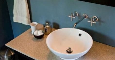 what do you use to clean a bathtub what do you use to clean the overflow in a bathroom sink