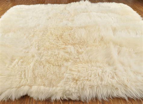 lammfell teppich weiss britischer lammfell teppich 200 x 190 cm creme weiss