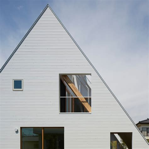 Architecture House Design All Encompassing Roof Frames Terraces For Suppose Design Office S House In Utsunomiya Sig