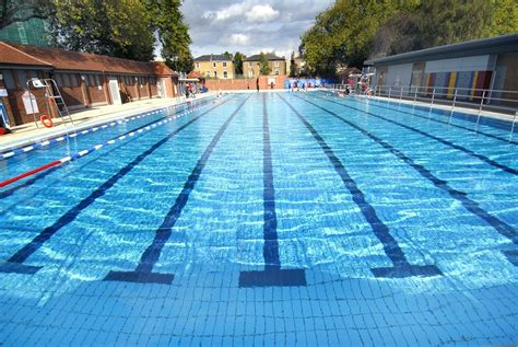 swimming pool lidos and outdoor swimming pools in london swimming in