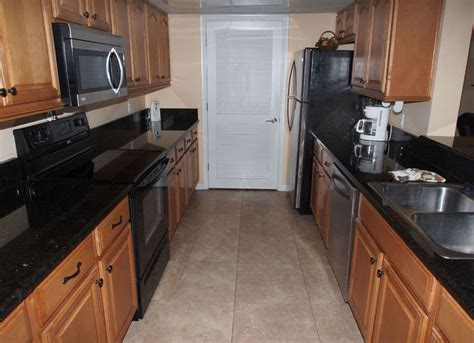 Granite Countertops Panama City Fl by Panama City Beachfront Condominiums Tower 2