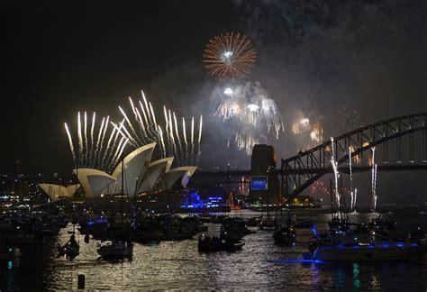 new year celebration usa new year 2015 celebration images usa aus nz china india