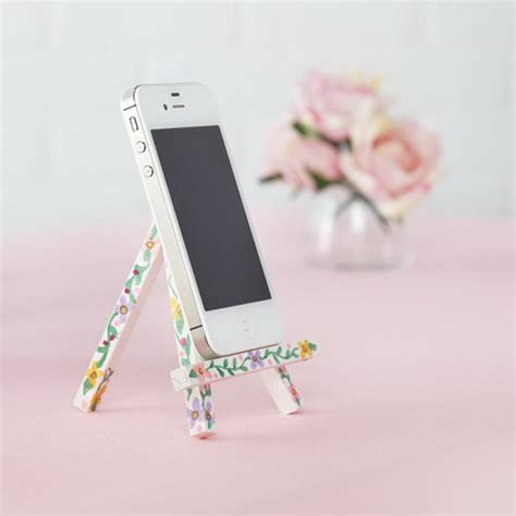acrylic paint phone 40 diy iphone stand and tripod ideas styletic