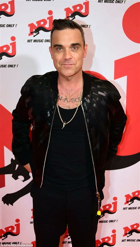 Pop Nosh Robbie Williams Does Rehab by Ex Alcoholic And Addict Robbie Williams Admits He S