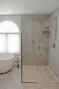 Exceptionnel Salle De Bain Japonaise #1: douche-italienne-paroi-acc%C3%A8s-angle-baignoire-%C3%AElot-.jpg