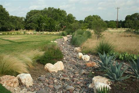 water saving landscaping and reduce runoff