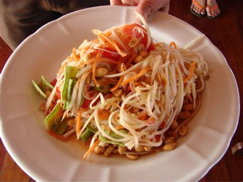 kuliner unik laos   rempah  sayurnya bikin