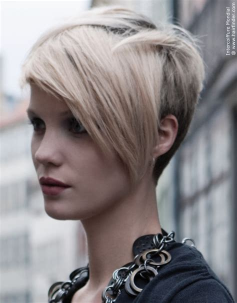 hairstyle back longer in front hair long in back short in front and top