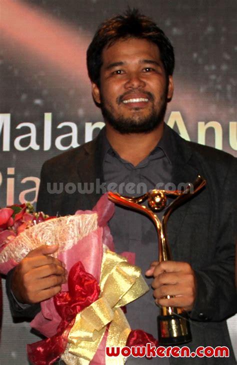 foto anugrah piala citra ffi 2011 foto 10 dari 23 foto sutradara terbaik ffi 2011 ifa isfansyah untuk film