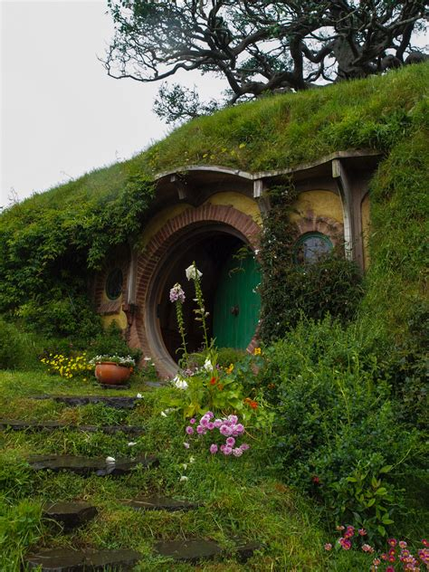 hobbits home middle earth super awesome mega trip