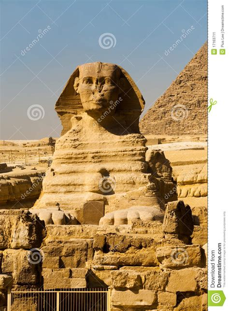 swings katze sphinx front corner pyramid empty stock image image