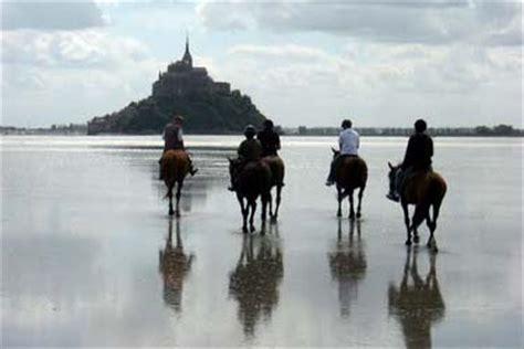 normandie d233couverte 224 cheval de la baie du mont saint