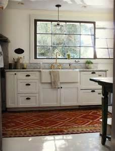 White Kitchen Bronze Hardware Interiors I Love Mixed Metals In The Kitchen K Sarah
