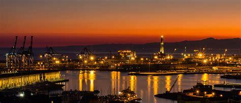foto porto di genova porto di genova al tramonto juzaphoto