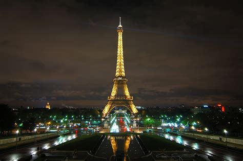 Home Of The Eifell Tower 1000 Words For France Eiffel Tower Night