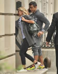 where did kelly ripa move in nyc 2014 kelly ripa heads to the gym with husband mark consuelos