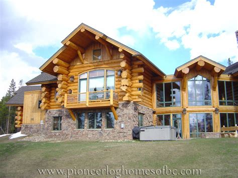 Handcrafted Log Homes - view our gallery of custom log homes here