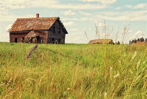 farmhouse ranch old farm house on the prairies grapefruit moon barb