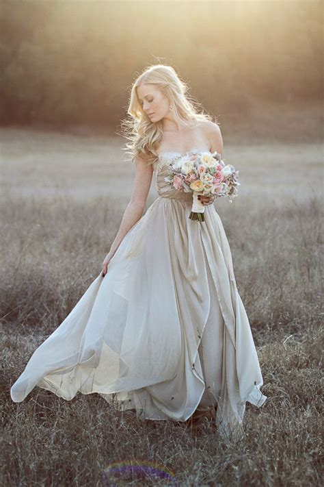 Wedding Dress Photography Ideas by 4 Bridal Photo Shoot Ideas Weddings